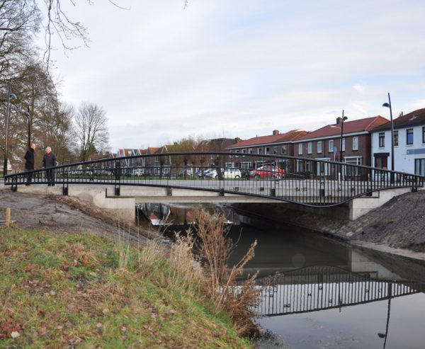 nachtegaalbrug;verkeersbrug;almelose Aa;brugleuning