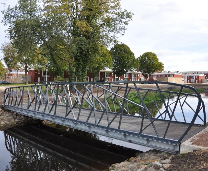 Koekoeksbrug Hengelo; wandelbrug; fietsbrug; verkeersbrug; leuning;voetgangersbrug